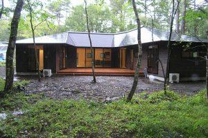山中湖の平屋の別荘